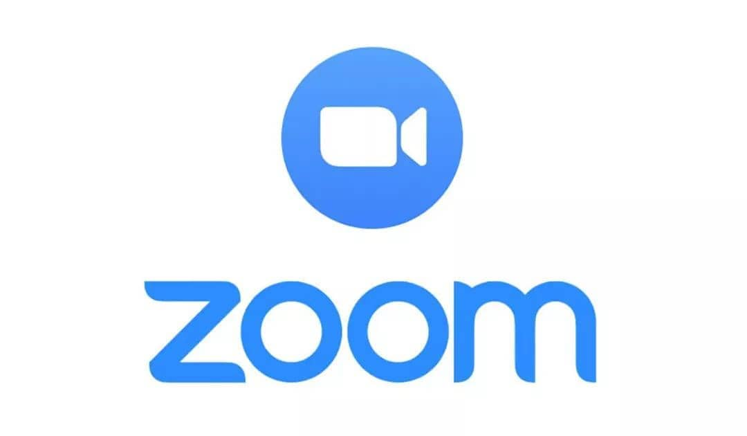 """Logo di Zoom """"larghezza ="""" 600 """"altezza ="""" 350 """"/> </p> <p> <strong> Zoom </strong> è stata l'applicazione di punta durante il confinamento di Covid-19. Ciò ha consentito la comunicazione tra le famiglie separate dalla pandemia e che gli studenti sono stati in grado di tenere le lezioni da casa. Tuttavia, questa non è un'applicazione a prova di proiettile, infatti Zoom è stato il protagonista negli ultimi mesi di <strong> numerosi scandali sulla sua sicurezza </strong>. Fortunatamente, la società ha aggiornato metodicamente l'applicazione <strong>risolvendo i buchi di sicurezza </strong> uno per uno rilevati, sebbene sia probabile che ce ne siano ancora alcuni da scoprire. Pertanto, se si utilizza Zoom, si consiglia di non dimenticare di seguire i passaggi di sicurezza sopra menzionati. </p> <p class="""