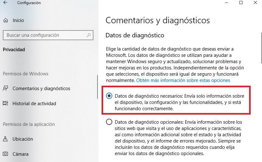 """Commenti di diagnostica di Windows 10 """"width ="""" 600 """"height ="""" 372 """"/> </p></noscript> <p> In questo modo ti assicurerai che gli unici dati che condividi con Windows saranno la diagnostica <strong> del tuo computer </strong>. Altrimenti, invierai anche informazioni sulle pagine web che visiti, le applicazioni che utilizzi di più e tutti i tipi di dati aggiuntivi sul dispositivo che stai utilizzando. </p> <h3> <strong> Disabilita fotocamera e microfono </strong> </h3> <p> Infine, sebbene non sia strettamente necessario per preservare la tua privacy, è sempre consigliabile disattivare la <strong> fotocamera </strong> e il <strong> microfono </strong> del tuo computer e attivarli solo quando vai a usali. </p> <p> Puoi disabilitare sia la videocamera che il microfono sul tuo computer Windows 10 accedendo al menu <strong> Impostazioni </strong> (tasto Windows + I) e cliccando sull'opzione <strong> «Privacy» </strong>. Una volta nella nuova finestra, fai clic su """"Fotocamera"""" o """"Microfono"""" dal menu a sinistra e disattiva il relativo interruttore. </p> <p> Se non si desidera disabilitare completamente il microfono o la fotocamera, si consiglia di <strong> limitare il loro accesso </strong> solo alle applicazioni che li utilizzano. È possibile eseguire questa azione nello stesso menu del paragrafo precedente. </p> <p> Ci auguriamo che la nostra piccola guida ti abbia aiutato a eliminare completamente la tua traccia di attività in <strong> Windows 10 </strong>. </p> <p class="""