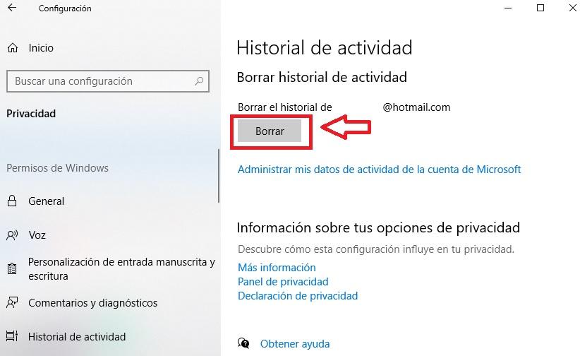 """Cancella cronologia attività """"width ="""" 822 """"height ="""" 504 """"/> </p></noscript> <p> Successivamente, si consiglia di fare clic sul pulsante <strong> «Gestisci le informazioni sull'attività del mio account Microsoft» </strong> per verificare se i tuoi dati sono stati cancellati. </p> <p> Una volta nel tuo account Microsoft vedrai un menu con tutte le sezioni della tua <strong> cronologia delle attività </strong>. Questi sono: </p> <ul> <li> Cronologia di navigazione </li> <li> Cronologia delle ricerche </li> <li> Attività di localizzazione </li> <li> Attività vocale </li> <li> Attività multimediale </li> <li> Attività di prodotti e servizi </li> <li> Prestazioni di prodotti e servizi </li> <li> Taccuino di Cortana </li> <li> LinkedIn </li> </ul> <p> Ora devi solo eliminare tutte le voci una per una in modo che queste <strong> eliminino la tua attività </strong> dal registro memorizzato da Microsoft. </p> <h2> <strong> Ho disattivato e cancellato la mia cronologia delle attività. Windows 10 può continuare a spiare tutto ciò che faccio? </strong> </h2> <p> Come ti abbiamo già detto, Windows 10 è un sistema operativo potente e utile, anche se molto invasivo nel campo della privacy. Quindi <strong> semplicemente disattivando la cronologia delle tue attività non ti libererai del fatto che Microsoft ficcioni nei tuoi affari </strong>. Per questo dovrai prendere ulteriori precauzioni. </p> <h3> <strong> Disabilita annunci personalizzati </strong> </h3> <p> Windows 10 <strong> controlla le pagine che visiti </strong> su Internet per fornirti annunci pubblicitari adatti alle tue esigenze. Per evitare che ciò accada, segui semplicemente questi passaggi. </p> <p> Accedi al menu Impostazioni di Windows 10 e fai clic sul pulsante <strong> «Privacy» </strong>. Fatto ciò, fare clic sull'opzione «Generale» nel menu sul lato sinistro dello schermo e <strong> disattivare tutti gli interruttori </strong> che appariranno sul lato destro. </p> <p> <img   alt="""