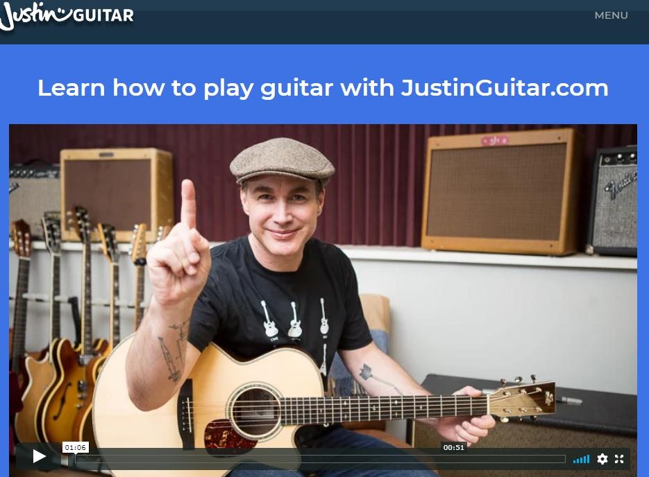 """Pagina JustinGuitar """"width ="""" 600 """"height ="""" 441 """"/> </p></noscript> <p> <strong> JustinGuitar </strong> è un sito <strong> </strong> molto completo per tutti coloro che aspirano a padroneggiare la chitarra. Dalla mano di Justin in persona si possono godere <strong> più di 900 lezioni </strong> per imparare a suonare la chitarra. Si va dai concetti più basilari (come leggere uno spartito, conoscere gli archi, come suonarli, ecc.) Ai trucchi di un vero professionista. </p> <p> Un punto davvero utile su JustinGuitar è che, a differenza di altri siti web, le lezioni <strong> saranno sempre accompagnate da un video </strong>. Questo ti aiuterà a non perderti durante le lezioni e ad imparare velocemente e in modo duraturo. Oltre a tutto questo, il sito web ha un'utile app per dispositivi mobili con la quale puoi sfruttare al meglio le tue lezioni. </p> <p> Puoi visitare la <strong> pagina JustinGuitar </strong> facendo clic <strong> qui </strong> e, se lo desideri, scarica la sua app sotto queste righe. </p> <p class="""