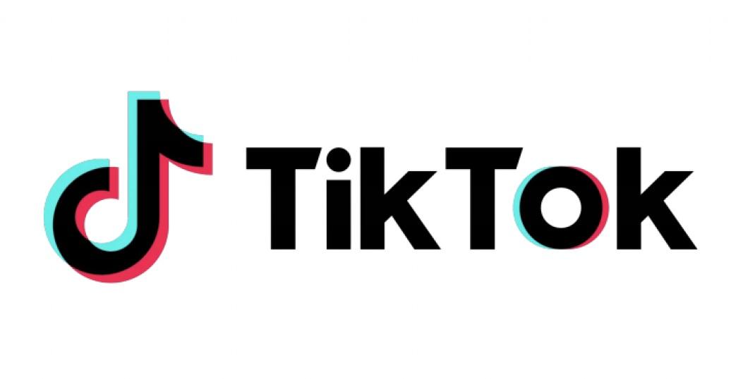 """Tik Tok """"larghezza ="""" 600 """"altezza ="""" 302 """"/> </p></noscript> <p> <strong> Tik Tok </strong> è un social network rivolto a un pubblico più giovane che si distingue per i suoi contenuti informali attraverso video divertenti. Raggiungendo il suo picco nel 2020 (specialmente durante i mesi di reclusione), Tik Tok si è affermato come la <strong> scelta preferita dei millennial </strong> e anche di tutti coloro che cercano intrattenimento veloce e virale. </p> <p> Tik Tok ha attualmente <strong> 800 milioni di utenti </strong> e si distingue come una delle reti di cui si parla oggi. Da esso potrai registrare video di ogni tipo, di brevissima durata ma a cui potrai aggiungere infiniti effetti. Uno dei punti di forza di Tik Tok sono le sue <strong> sfide </strong>che vengono trasmesse da utente a utente e che in pochi secondi spazzano l'intera Internet. </p> <p> Se stai cercando un <strong> social network spudorato </strong> e con l'unico obiettivo di divertirti, Tik Tok è un'ottima opzione per uscire. Puoi dare un'occhiata al loro sito web facendo clic <strong> qui </strong> o, se lo desideri, scarica la loro applicazione mobile sotto queste righe. </p> <p class="""