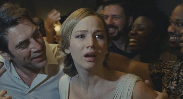"""Madre! """"Width ="""" 600 """"height ="""" 326 """"/> </p></noscript> <p> Terminiamo la nostra selezione di film che ti consigliano <strong> <em> Mother !, </em> </strong> un inquietante film di suspense e horror interpretato da <strong> Jennifer Lawrence </strong> e <strong> Javier Bardem </strong> . In esso incontreremo un poeta e la sua giovane moglie che si sono recentemente trasferiti in una vecchia casa. A causa del suo blocco creativo, lo scrittore decide di far entrare nella sua casa una serie di persone strane che poco a poco <strong> trasformano la loro casa in un vero incubo </strong>. Ma non tutto finisce qui, la giovane moglie inizia anche a notare che il marito si comporta in modo strano e che la casa nasconde molti segreti nel suo intestino. Inquietante e piena di intrighi, mamma! È un film che non solo ha un cast eccellente ma anche alcuni colpi di scena che ti lasceranno perplesso. </p> <p> Ci auguriamo che la nostra selezione di <strong> gioielli nascosti nel catalogo Amazon </strong> <strong> Prime Video </strong> ti abbia aiutato. C'è un film che conosci e che ti è piaciuto che vorresti raccomandarci? Faccelo sapere nella sezione commenti! </p> <p class="""